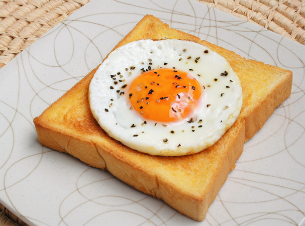 'fried egg on toast' by Flickr user Anastasia Liem, License CC-BY-NC.