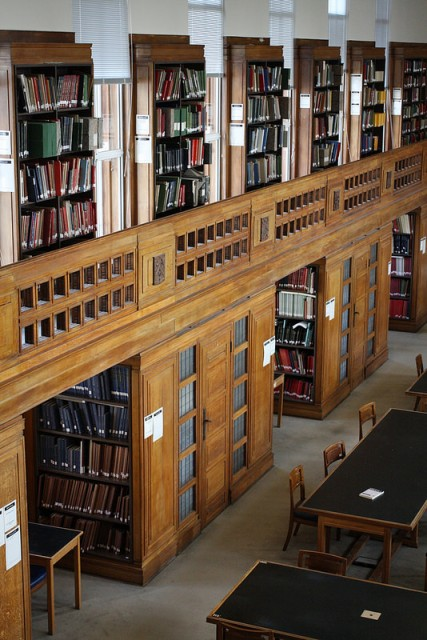 Middlesex South Reading Room at Senate House Library. Photograph by Andrew Preater, license CC-BY.